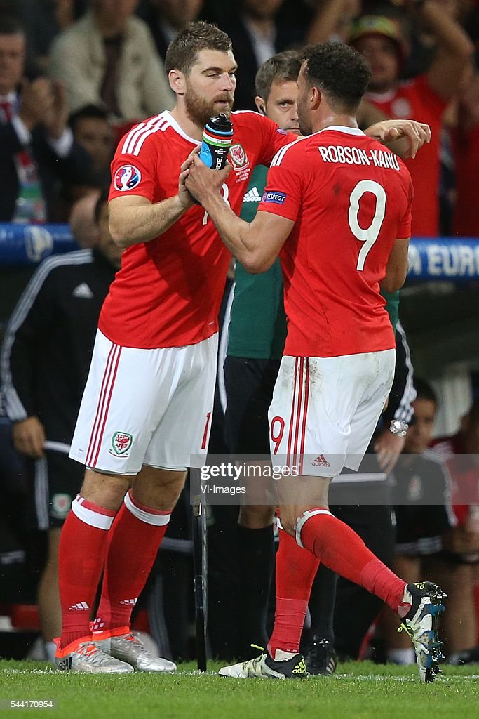 Sam Vokes of Wales, Hal Robson Kanu of Wales during the UEFA EURO 2016 quarter final match between Wales and Belgium on July 2, 2016 at the Stade Pierre Mauroy in Lille, France.