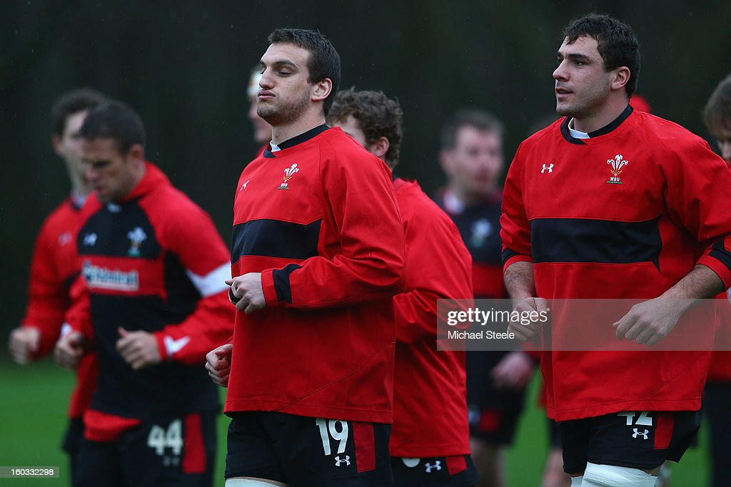 <a gi-track='captionPersonalityLinkClicked' href=/galleries/search?phrase=Sam+Warburton+-+Rugby+Player&family=editorial&specificpeople=4234449 ng-click='$event.stopPropagation()'>Sam Warburton</a> (L) captain of Wales and Andries Pretorius (R) during the Wales training session at Vale Resort on January 29, 2013 in Cardiff, Wales.