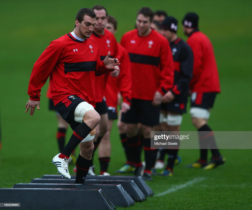 <a gi-track='captionPersonalityLinkClicked' href=/galleries/search?phrase=Sam+Warburton+-+Rugby+Player&family=editorial&specificpeople=4234449 ng-click='$event.stopPropagation()'>Sam Warburton</a> (L) captain of Wales during the Wales training session at Vale Resort on January 29, 2013 in Cardiff, Wales.