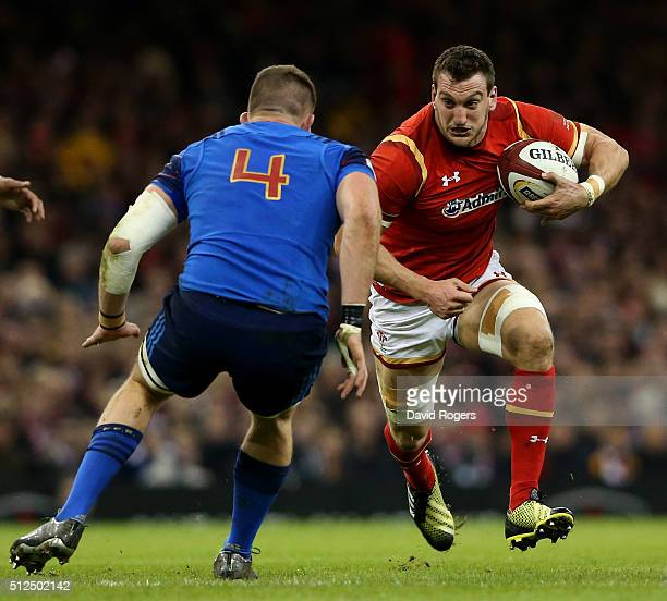 Sam Warburton of Wales charges towards Paul Jedrasiak of France during the RBS Six Nations match between Wales and France at the Principality Stadium...