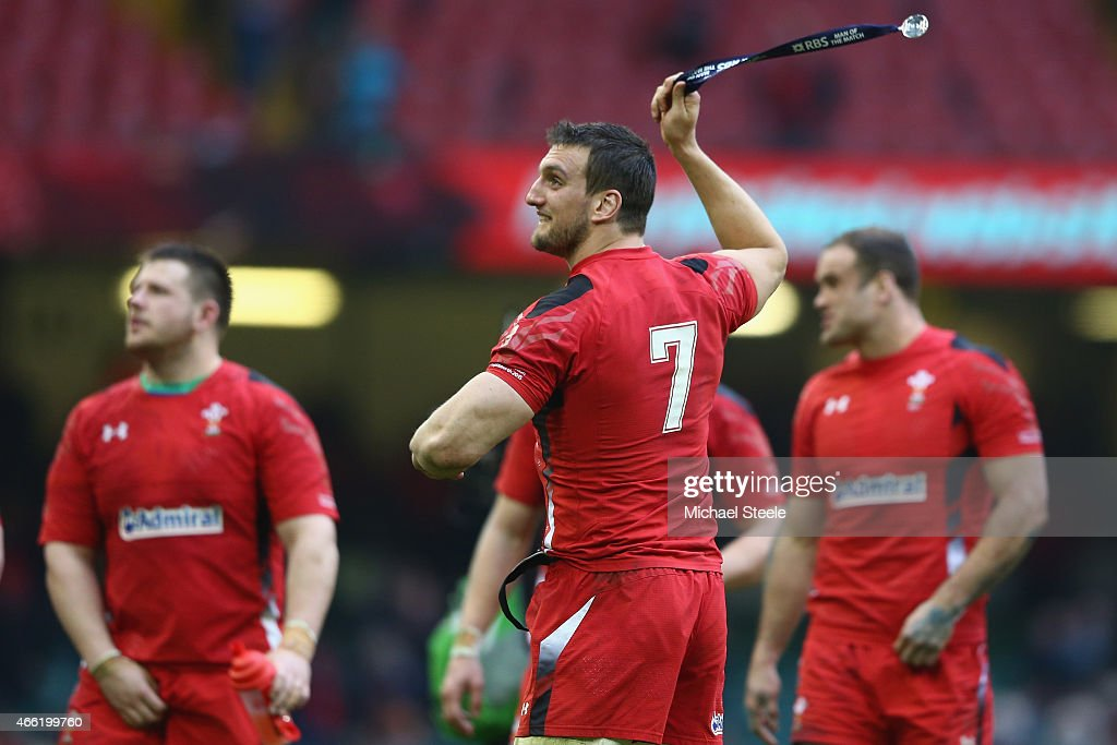 Sam Warburton the captain of Wales celebrates his sides 23-16 victory on a lap of honour during the RBS Six Nations match between Wales and Ireland at the Millennium Stadium on March 14, 2015 in Cardiff, Wales.