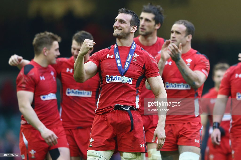<a gi-track='captionPersonalityLinkClicked' href=/galleries/search?phrase=Sam+Warburton+-+Rugby+Player&family=editorial&specificpeople=4234449 ng-click='$event.stopPropagation()'>Sam Warburton</a> the captain of Wales celebrates his sides 23-16 victory on a lap of honour during the RBS Six Nations match between Wales and Ireland at the Millennium Stadium on March 14, 2015 in Cardiff, Wales.