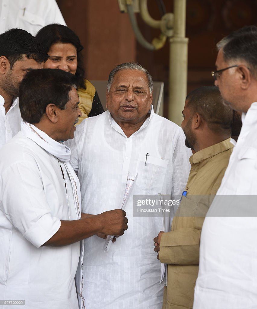 Samajwadi Party Chief and Lok Sabha MP Mulayam Singh Yadav with his party supporters leave after attending parliament Session on May 3, 2016 in New Delhi, India. With the BJP mounting an offensive against Congress vice-president on the AgustaWestland VVIP chopper bribery case, Rahul Gandhi on Wednesday said he is happy to be targeted.