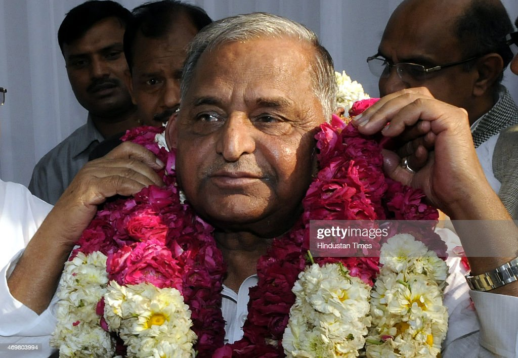 Samajwadi Party chief Mulayam Singh being garlanded after merger of six parties on April 15 2015 in New Delhi India After months of deliberation six...