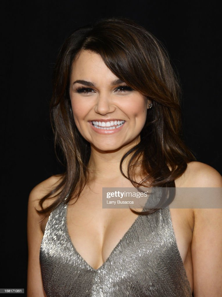 Samantha Barks attends the 'Les Miserables' New York premiere at Ziegfeld Theater on December 10, 2012 in New York City.