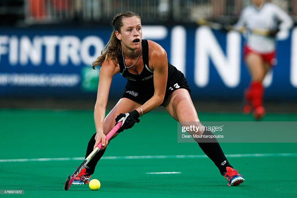 <a gi-track='captionPersonalityLinkClicked' href=/galleries/search?phrase=Samantha+Charlton&family=editorial&specificpeople=9604124 ng-click='$event.stopPropagation()'>Samantha Charlton</a> of New Zealand in action during the Fintro Hockey World League Semi-Final match between South Korea and New Zealand held at KHC Dragons Gemeentepark Stadium on July 2, 2015 in Brasschaat, Belgium.