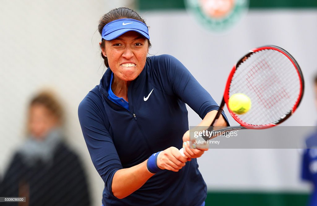 <a gi-track='captionPersonalityLinkClicked' href=/galleries/search?phrase=Samantha+Crawford&family=editorial&specificpeople=8811293 ng-click='$event.stopPropagation()'>Samantha Crawford</a> of the United States plays a backhand during the Women's Singles first round match against Timea Babos of Hungary on day three of the 2016 French Open at Roland Garros on May 24, 2016 in Paris, France.