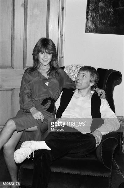 Samantha Fox contestant Miss Sunday People competition aged 16 years old pictured at home with father Patrick Fox January 1983