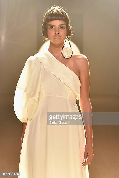 Samantha Harris walks the runway during the Gail Sorronda show at MercedesBenz Fashion Week Australia 2015 at Carriageworks on April 16 2015 in...