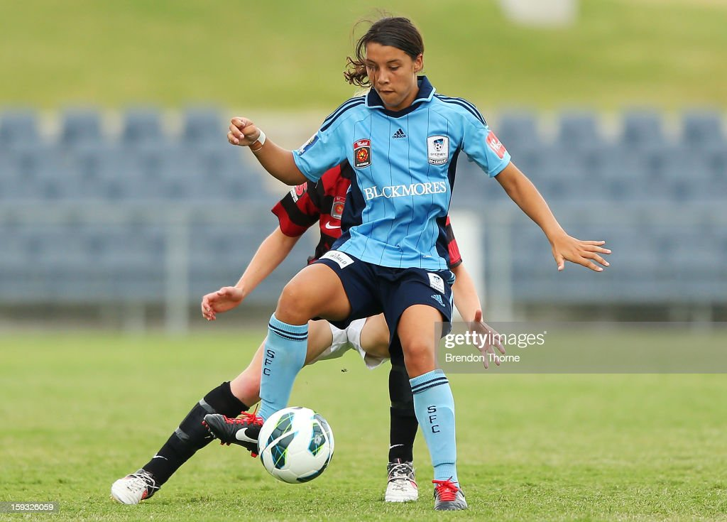 Samantha Kerr of Sydney controls the ball during the round 12 W-League match between the Western Sydney Wanderers and Sydney FC at Campbelltown Sports Stadium on January 12, 2013 in Sydney, Australia.