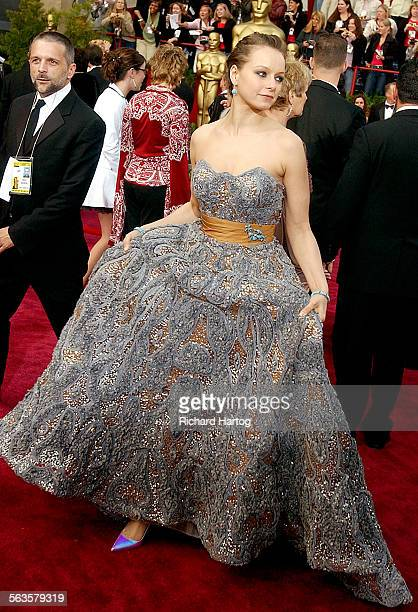 Samantha Morton arrives at the 76th Annual Academy Awards at the Kodak Theatre in Los Angeles Calif Sunday February 29 2004 LOS ANGELES TIMES PHOTO...