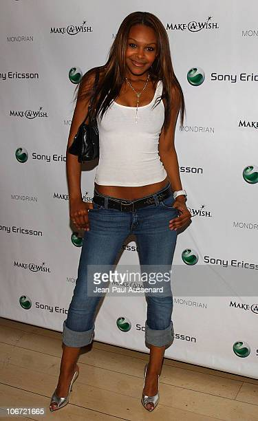 Samantha Mumba during Jessica Simpson and Nick Lachey Host Sony Ericsson T610/T616 'Shoot for the Stars' Charity Auction to Benefit The MakeAWish...