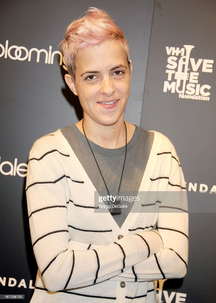 DJ <a gi-track='captionPersonalityLinkClicked' href=/galleries/search?phrase=Samantha+Ronson&family=editorial&specificpeople=214678 ng-click='$event.stopPropagation()'>Samantha Ronson</a> arrives at the Bloomingdale's Glendale Opening Gala Celebration with VH1 Save The Music Foundation at Bloomingdale's Glendale on November 6, 2013 in Glendale, California.