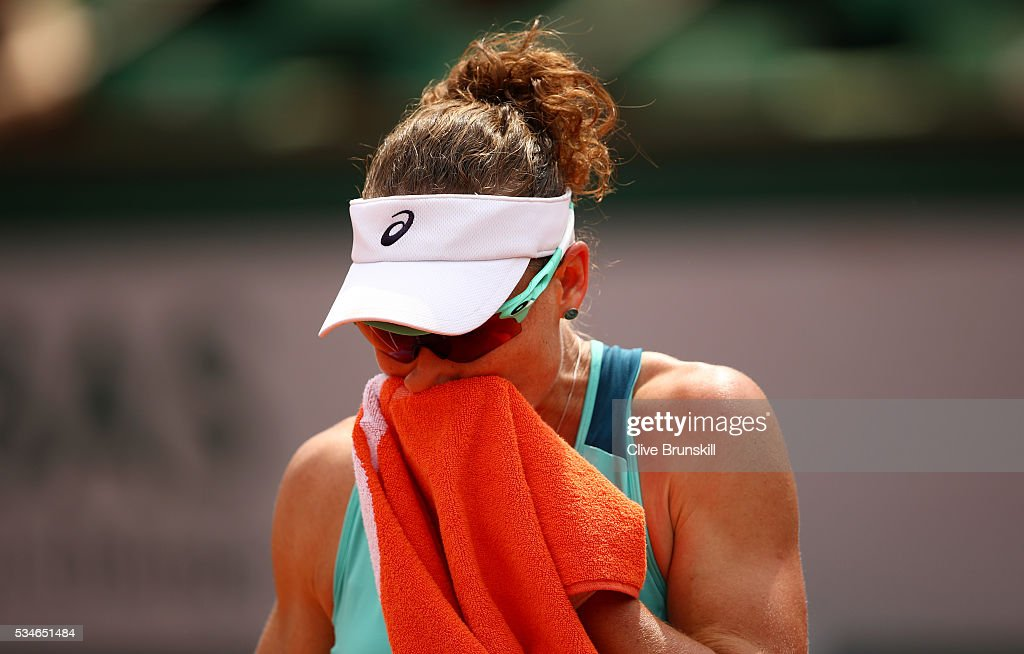 <a gi-track='captionPersonalityLinkClicked' href=/galleries/search?phrase=Samantha+Stosur&family=editorial&specificpeople=194778 ng-click='$event.stopPropagation()'>Samantha Stosur</a> of Australia reacts during the Ladies Singles third round match against Lucie Safarova of Czech Republic on day six of the 2016 French Open at Roland Garros on May 27, 2016 in Paris, France.