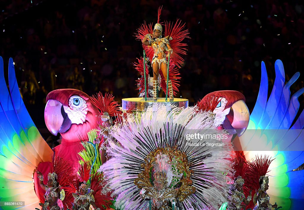 Samba dancers perform in the 'Cidade Maravilhosa' segment during the Closing Ceremony on Day 16 of the Rio 2016 Olympic Games at Maracana Stadium on August 21, 2016 in Rio de Janeiro, Brazil.