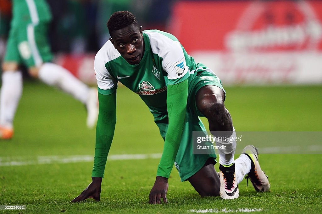 <a gi-track='captionPersonalityLinkClicked' href=/galleries/search?phrase=Sambou+Yatabare&family=editorial&specificpeople=5747366 ng-click='$event.stopPropagation()'>Sambou Yatabare</a> of Bremen reacts during the Bundesliga match between Hamburger SV and Werder Bremen at Volksparkstadion on April 22, 2016 in Hamburg, Germany.