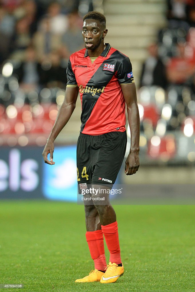 <a gi-track='captionPersonalityLinkClicked' href=/galleries/search?phrase=Sambou+Yatabare&family=editorial&specificpeople=5747366 ng-click='$event.stopPropagation()'>Sambou Yatabare</a> of EA Guingamp in action during the UEFA Europa League group K match between Guingamp and PAOK on October 2, 2014 at the Roudourou Stadium in Guingamp,France.