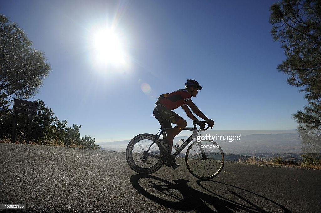 Sami Inkinen, co-founder of Trulia Inc., descends from Mount Diablo Challenge after completing a bicycle race near Danville, California, U.S., on Sunday, Oct. 7, 2012. Trulia, a rival to Zillow Inc., provides a search engine used by over 20 million people a month to look for homes in specific neighborhoods. Photographer: Noah Berger/Bloomberg via Getty Images
