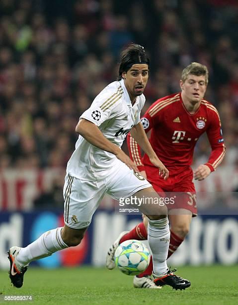 Sami Khedira hinten Toni Kroos Fussball UEFA Championsleague Halbfinale Hinspiel FC Bayern München Real Madrid 21 1742012
