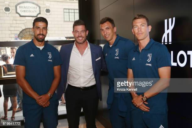 Sami Khedira Jesse Palmer Mario Mandzukic and Stephan Lichtsteiner attend Hublot Welcomes Juventus Football Club To NYC at Hublot Boutique on July 20...