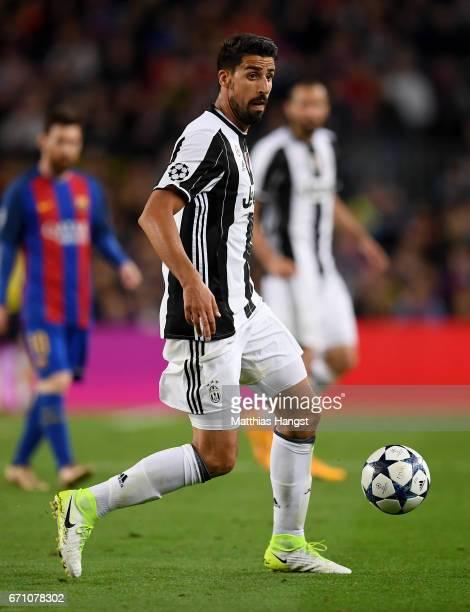 Sami Khedira of Juventus controls the ball during the UEFA Champions League Quarter Final second leg match between FC Barcelona and Juventus at Camp...