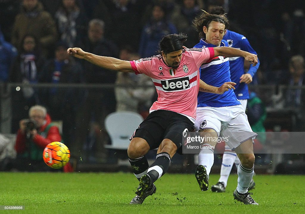 Sami Khedira of Juventus FC competes for the ball with Edgar Osvaldo Barreto of UC Sampdoria during the Serie A match between UC Sampdoria and Juventus FC at Stadio Luigi Ferraris on January 10, 2016 in Genoa, Italy.