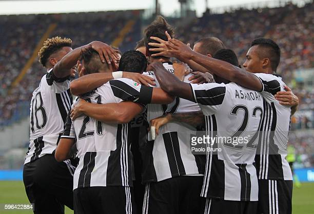 Sami Khedira with his teammates of Juventus FC celebrates after scoring the opening goal during the Serie A match between SS Lazio and Juventus FC at...