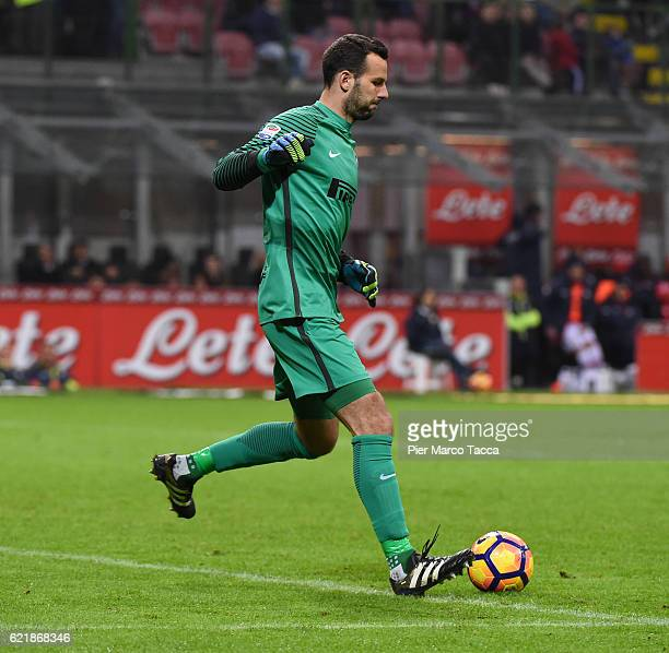Samir Handanovic in action during the Serie A match between FC Internazionale and FC Crotone at Stadio Giuseppe Meazza on November 6 2016 in Milan...