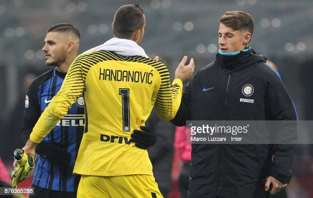 Samir Handanovic of FC Internazionale celebrate the win at the end of the Serie A match between FC Internazionale and Atalanta BC at Stadio Giuseppe...