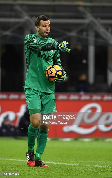 Samir Handanovic of FC Internazionale gestures during the Serie A match between FC Internazionale and ACF Fiorentina at Stadio Giuseppe Meazza on...