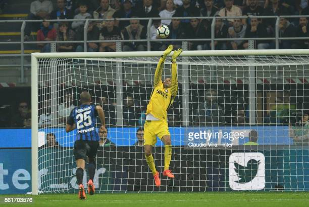 Samir Handanovic of FC Internazionale in action during the Serie A match between FC Internazionale and AC Milan at Stadio Giuseppe Meazza on October...