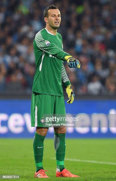 Samir Handanovic of FC Internazionale in action during the Serie A match between SSC Napoli and FC Internazionale at Stadio San Paolo on October 21...