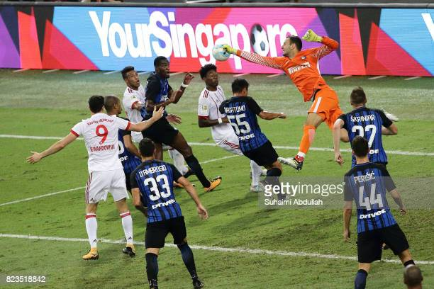 Samir Handanovic of FC Internazionale punches the ball during the International Champions Cup match between FC Bayern and FC Internazionale at...