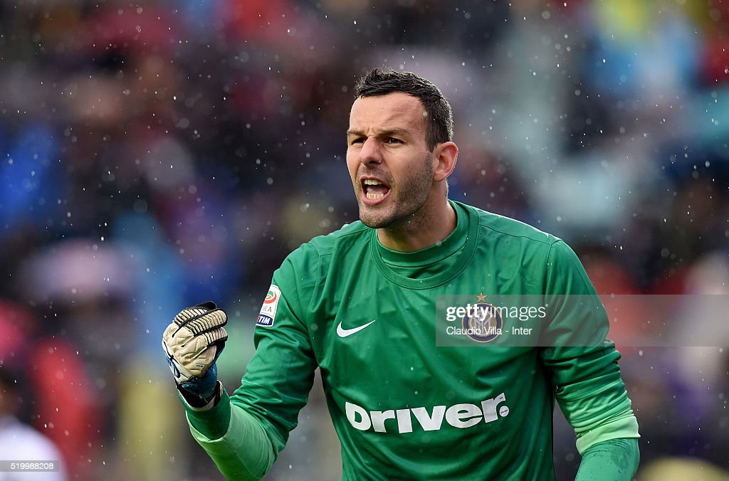 Samir Handanovic of FC Internazionale reacts during the Serie A match between Frosinone Calcio and FC Internazionale Milano at Stadio Matusa on April 9, 2016 in Frosinone, Italy.