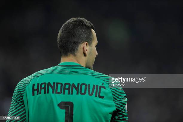 Samir Handanovic of Inter goalkeeper during the Serie A match between FC Internazionale and SSC Napoli at Stadio Giuseppe Meazza on April 30 2017 in...