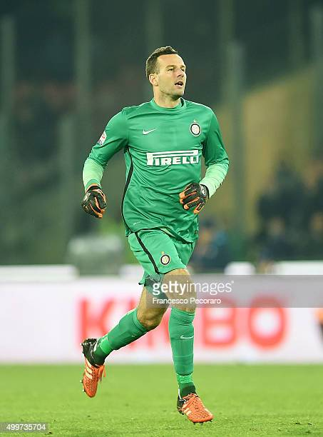 Samir Handanovic of Internazionale Milano in action during the Serie A match between SSC Napoli and FC Internazionale Milano at Stadio San Paolo on...