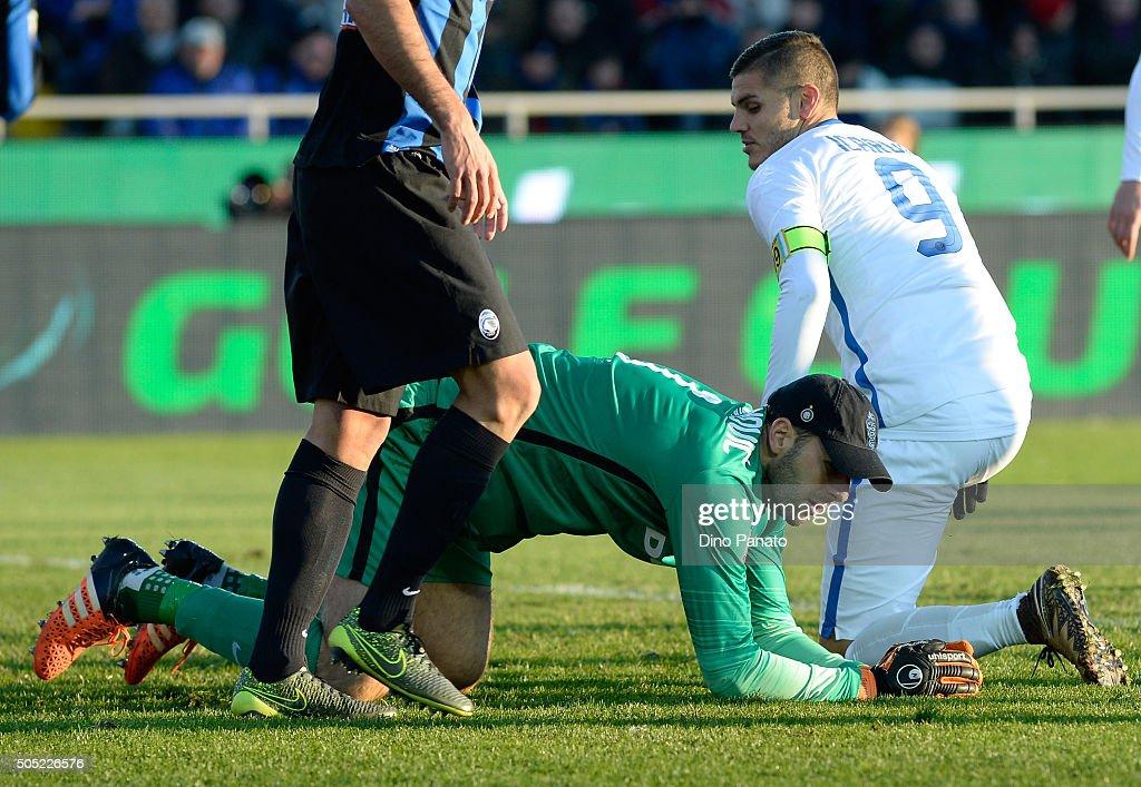 Samir Handanovich goalkeeper or FC Internazionale Milano reacts during the Serie A match between Atalanta BC and FC Internazionale Milano at Stadio Atleti Azzurri d'Italia on January 16, 2016 in Bergamo, Italy.