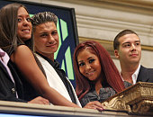 Sammi Giancola Paul 'Pauly D' DelVecchio Nicole 'Snooki' Polizzi and Vinny Guadagnino ring the opening bell at the New York Stock Exchange on July 27...