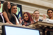 Sammi Giancola Paul 'Pauly D' DelVecchio Nicole 'Snooki' Polizzi Vinny Guadagnino and Jenni 'JWOWW' Farley ring the opening bell at the New York...