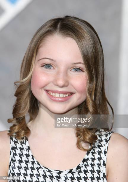 Sammi Hanratty arrives at the premiere for new film Hannah Montana and Miley CyrusBest of Both Worlds Concert at the El Capitan Theatre Los Angeles