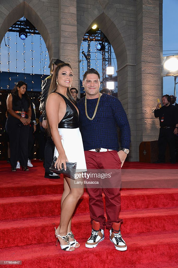 Sammi 'Sweetheart' Giancola and Ronnie Magro attend the 2013 MTV Video Music Awards at the Barclays Center on August 25, 2013 in the Brooklyn borough of New York City.