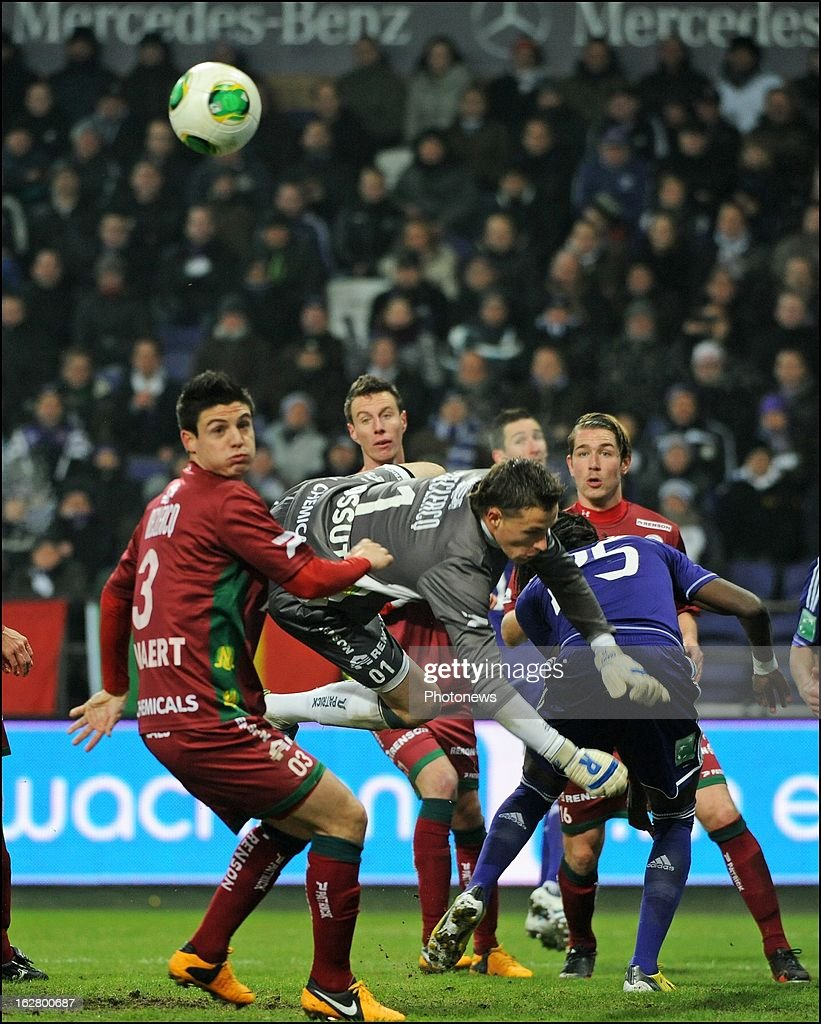 Sammy Bossut (SV Zulte Waregem) in action during the Jupiler League match between RSC Anderlecht and SV Zulte Waregem on February 27, 2013 in Anderlecht, Belgium.