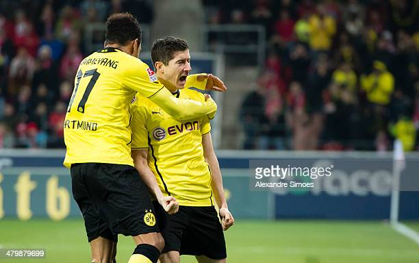 Samstag 1 Fussball Bundesliga Saison 13/14 14 Spieltag in Dortmund1 FSV Mainz 05 BV Borussia Dortmund Robert Lewandowski bejubelt hier sein Treffer...