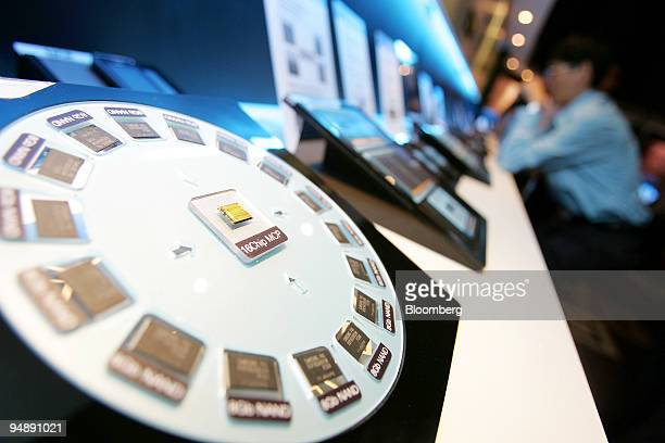 Samsung Electronics Co's multichip package products are on display at Samsung's Mobile Solutions Forum in Taipei Taiwan on Monday May 26 2008 Samsung...