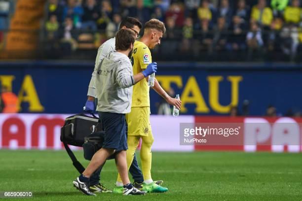 Samu Castillejo of Villarreal CF is injured during their La Liga match between Villarreal CF and Athletic Club de Bilbao at the Estadio de la...