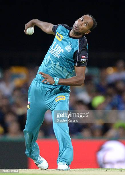 Samuel Badree of the Heat bowls during the Big Bash League match between the Brisbane Heat and the Sydney Thunder at The Gabba on January 3 2016 in...
