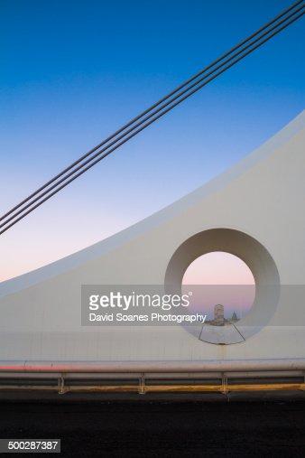 Samuel Beckett bridge at dawn