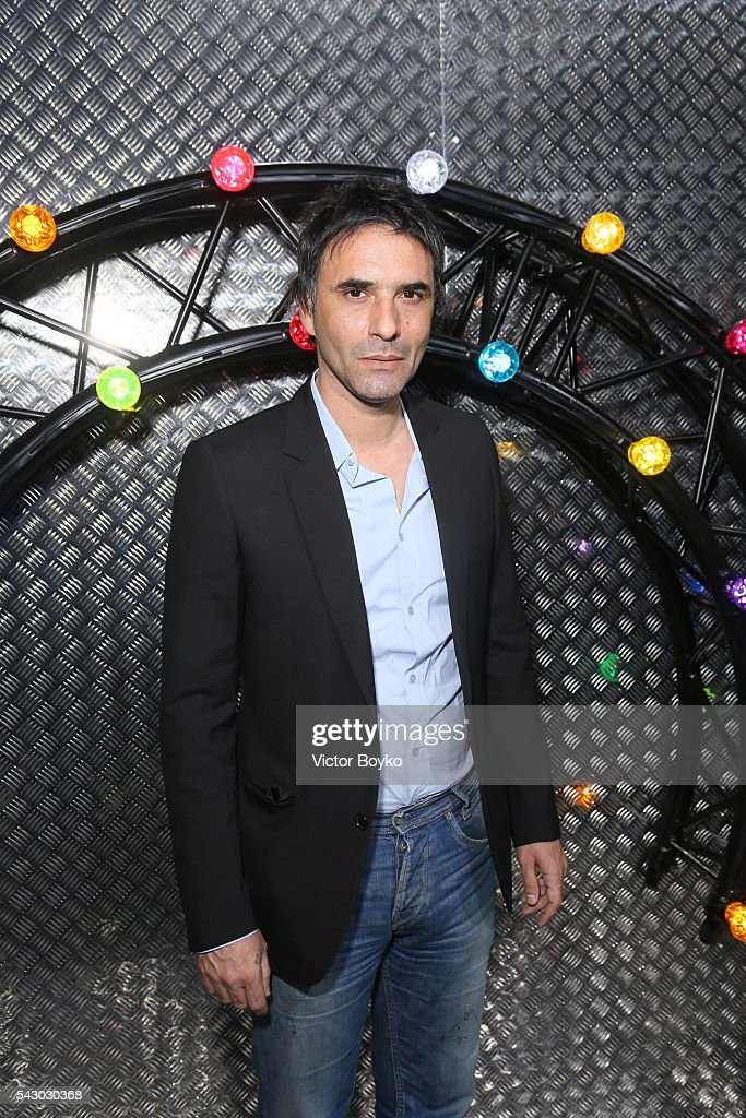 <a gi-track='captionPersonalityLinkClicked' href=/galleries/search?phrase=Samuel+Benchetrit&family=editorial&specificpeople=2856392 ng-click='$event.stopPropagation()'>Samuel Benchetrit</a> attends the Dior Homme Menswear Spring/Summer 2017 show as part of Paris Fashion Week on June 25, 2016 in Paris, France.
