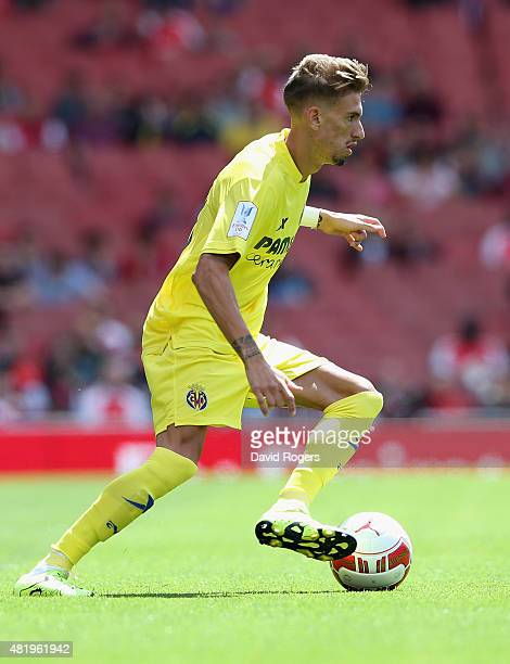 Samuel Castillejo of Villareal runs with the ball during the Emirates Cup match between VfL Wolfsburg and Villareal at the Emirates Stadium on July...