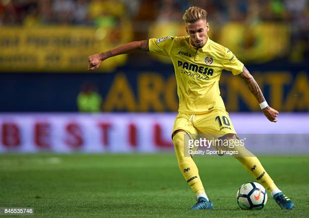 Samuel Castillejo of Villarreal in action during the La Liga match between Villarreal CF and Real Betis at Estadio de la Ceramica on September 10...